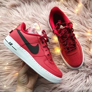 Nike air force 1 LV8 sneaker